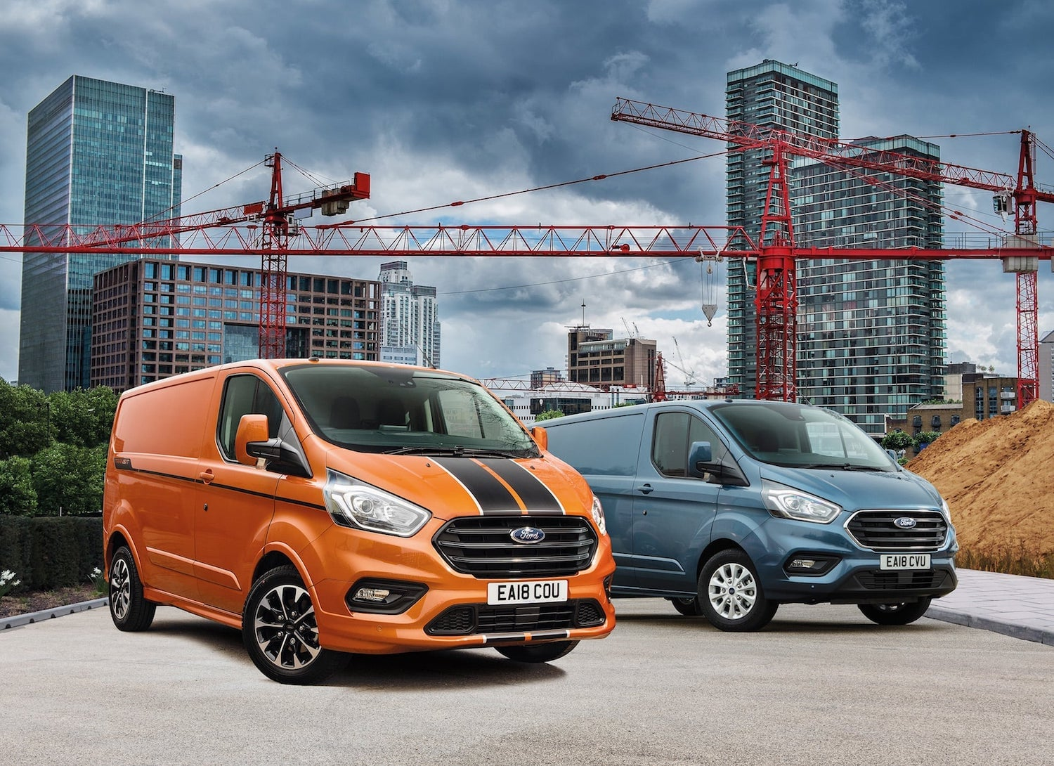 Ford Transit Custom 2018 Sport and Limited models