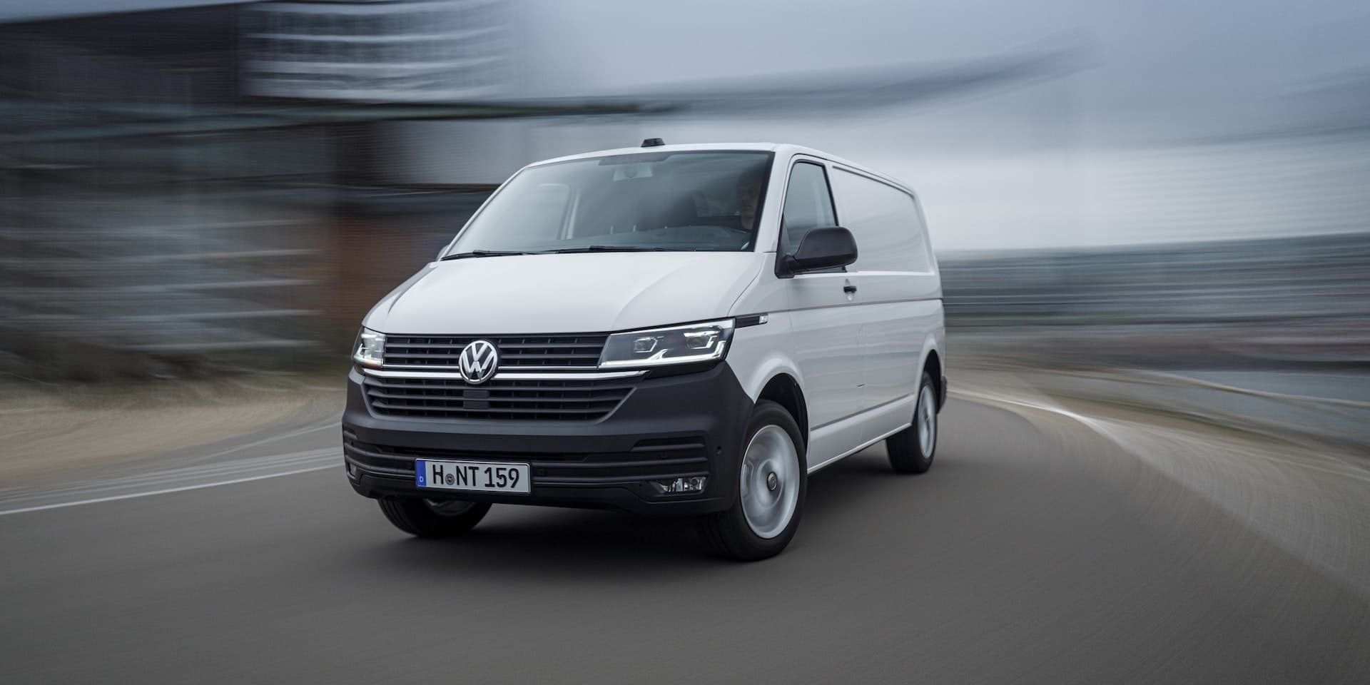Volkswagen Transporter 6.1 test drive wallpaper | The Van Expert