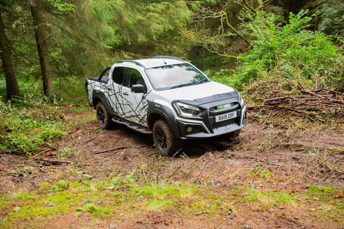 2020 Isuzu D-Max XTR off-road testing 01 | The Van Expert